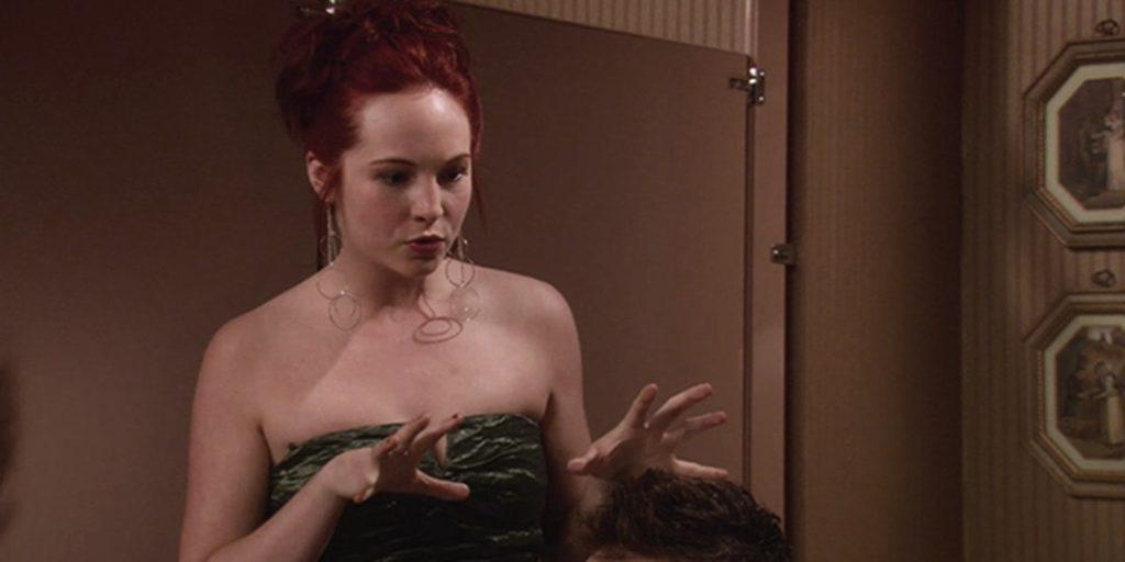 Candice King como Amy em How I Met Your Mother? (Imagem: Reprodução/CBS)