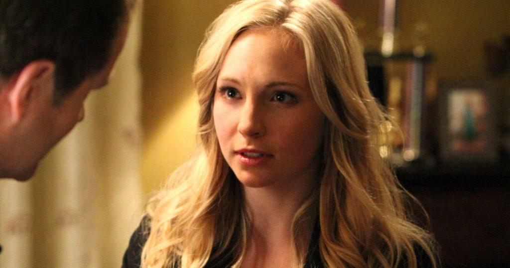 Candice King como Caroline Forbes em Diários de um Vampiro (Imagem: Reprodução/The CW)
